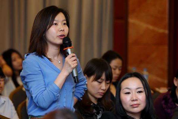 蓝色光标客户副总监郑晓静